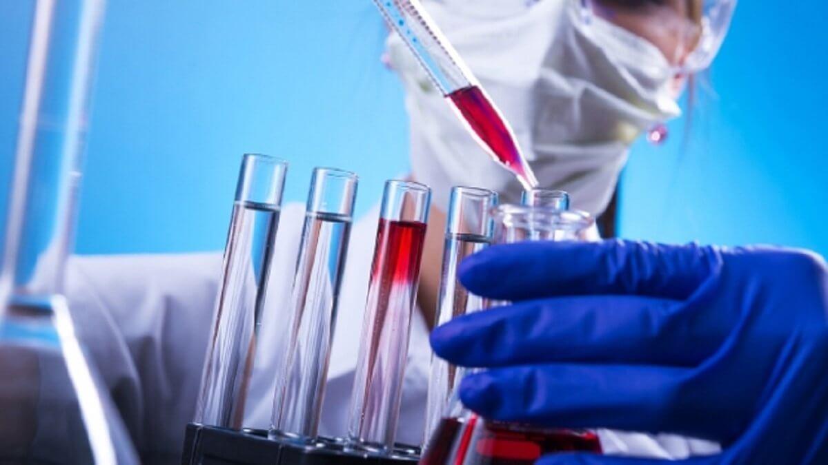 med - В России испытывают новый перспективный препарат от онкологии